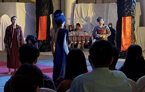 Mô hình biểu diễn mới từ liên hoan sân khấu-du lịch: nghệ sĩ có thể biểu diễn ở bất cứ đâu có khán giả