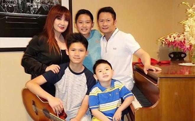 Cặp đôi có với nhau ba người con trai