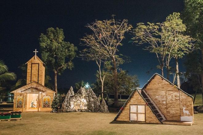 """Những ngôi nhà gỗ được dựng lên trong không gian của """"Ngôi làng Bắc Âu"""""""