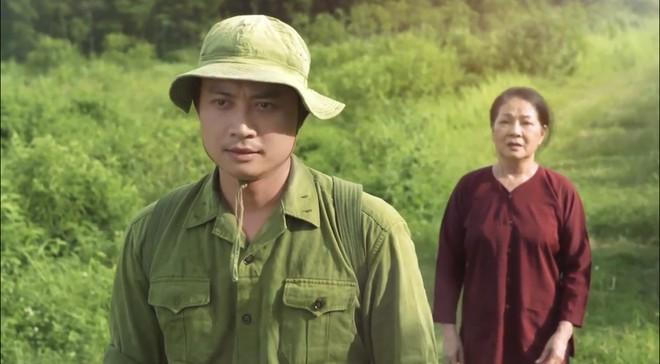 """NSƯT Minh Phương và diễn viên Tiến Lộc trong phim ca nhạc song ngữ """"Đất nước"""""""