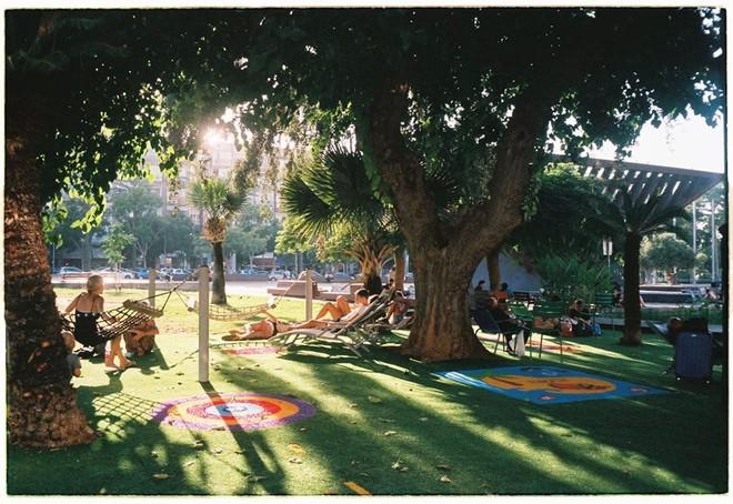 Bức ảnh được Quỳnh Nga chụp lại bằng máy ảnh phim khi ở Israel