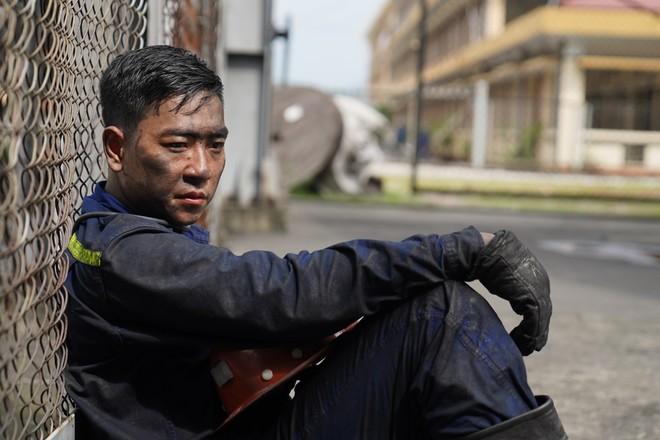 """Ất của phim """"Ma làng"""" bất ngờ làm công nhân mỏ"""