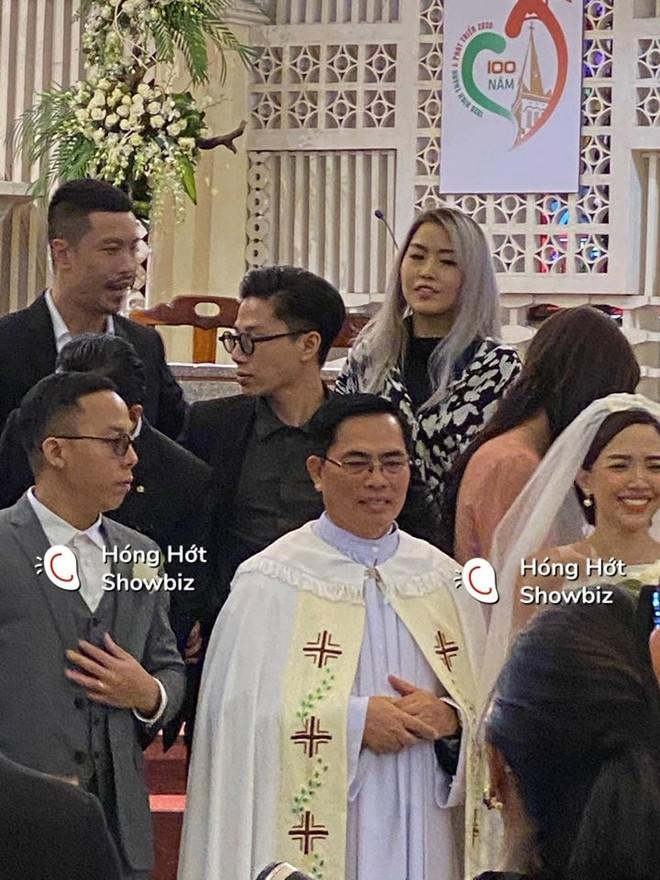 Hình ảnh hiếm hoi về đám cưới của Tóc Tiên và Hoàng Touliver