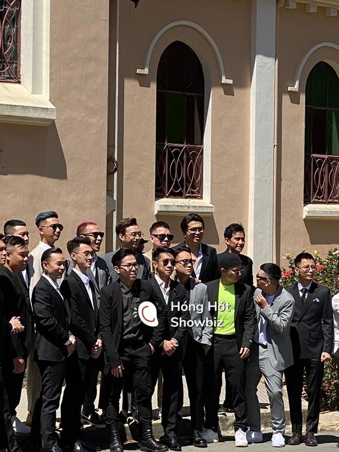 Hội bạn thân dự đám cưới của Tóc Tiên và Hoàng Touliver