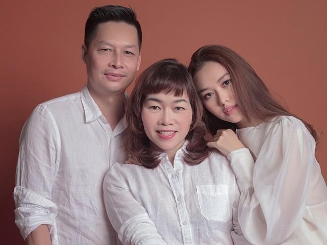 Tường San và bố mẹ