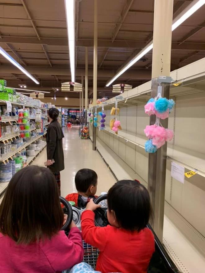 Thanh Thảo chia sẻ hình ảnh các quầy hàng sạch bách trong siêu thị