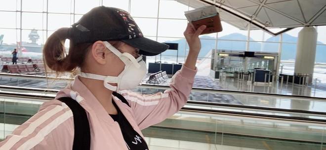 Võ Hoàng Yến chia sẻ hình ảnh khi quá cảnh tại sân bay Hồng Kông