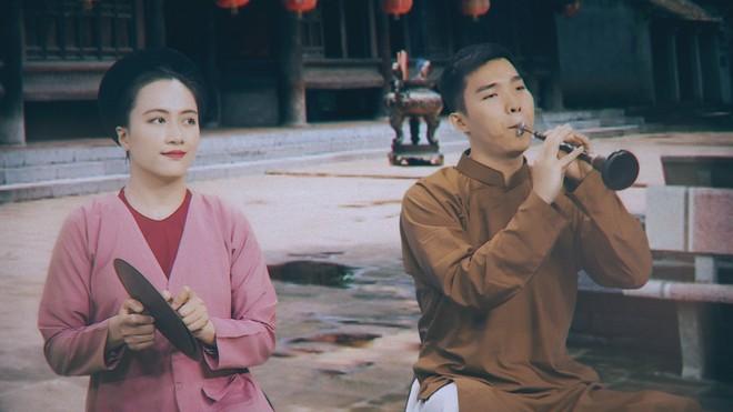 Phạm Trang và Ngọc Xuân - hai nghệ sĩ tham gia trong bài xẩm