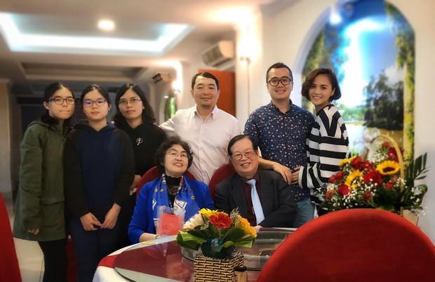 Bức ảnh Thu Quỳnh có mặt trong một sự kiện của gia đình bạn trai tin đồn