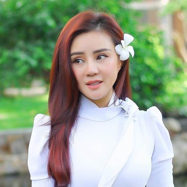 Vy Oanh mong muốn con gái Mai Phương sẽ có cuộc sống bình yên và bình thường như bao bạn bè cùng trang lứa