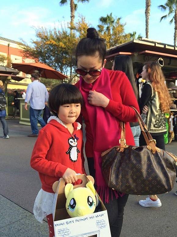 Như Quỳnh quyết định chia tay chồng vì cảm thấy không mang lại hạnh phúc cho anh, chấp nhận cuộc sống làm mẹ đơn thân và hạnh phúc bên cô con gái nhỏ Melody Đông Nghi