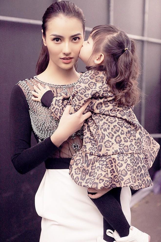Bà mẹ đơn thân Hồng Quế và con gái