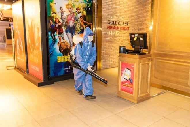 Công tác phòng chống dịch bệnh được thực hiện nghiêm ngặt tại các rạp chiếu