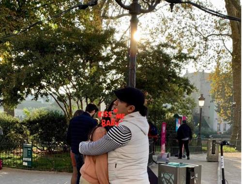 Bức ảnh hiếm hoi của Kasim Hoàng Vũ và bạn gái Việt kiều - người hiện giờ đã là vợ của anh và mẹ của các con anh