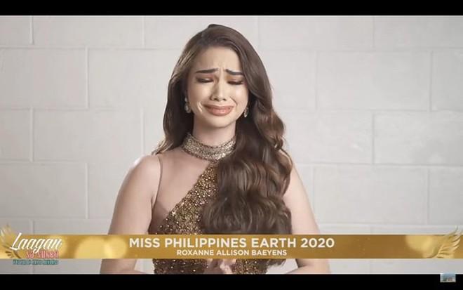 """Tân """"Miss Earth Philippines 2020"""" bật khóc khi đăng quang tại nhà riêng"""