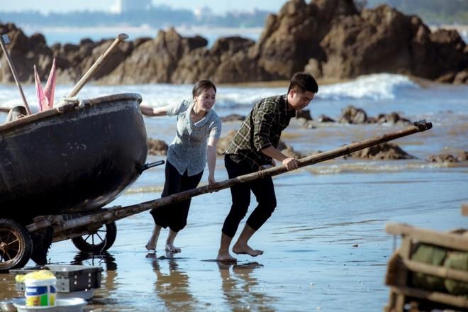 """""""Sao Mai"""" Huyền Trang ra bộ ba MV tri ân các thương binh, liệt sỹ"""