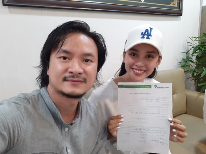 Đạo diễn Hoàng Nhật Nam và Hoa hậu Tiểu Vy mở tài khoản tiếp nhận sự đóng góp của mọi người