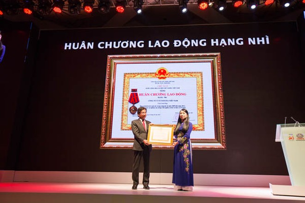 TMV được trao tặng Huân chương Lao động hạng Nhì vì những đóng góp trong 20 năm có mặt tại Việt Nam