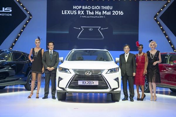 Lexus Việt Nam liên tiếp giới thiệu các mẫu xe mới ra thị trường