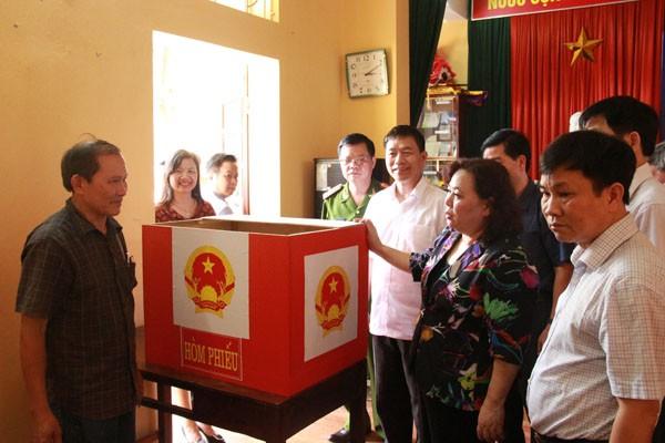 Chuẩn bị công tác bầu cử tại Hà Nội: Nghiêm túc, đúng luật, chính xác