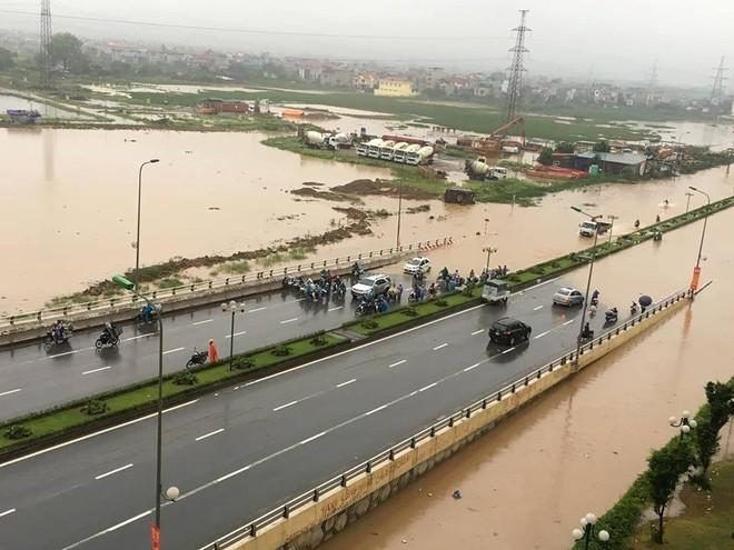 Các tuyến vành đai và lưu vực tả Nhuệ bị ngập nặng trong sáng 25-5