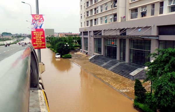Tòa nhà HH2 bị cô lập với bên ngoài