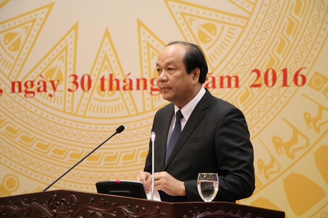 Bộ trưởng, Chủ nhiệm Văn phòng Chính phủ Mai Tiến Dũng trả lời báo chí tại cuộc họp báo