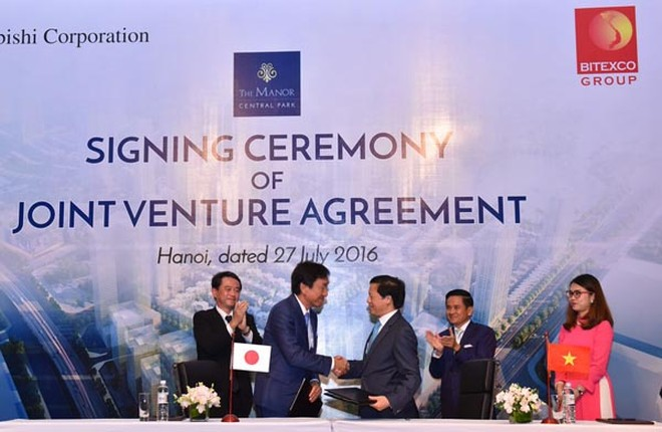 Đại diện Mitsubishi và Bitexco tại lễ ký kết