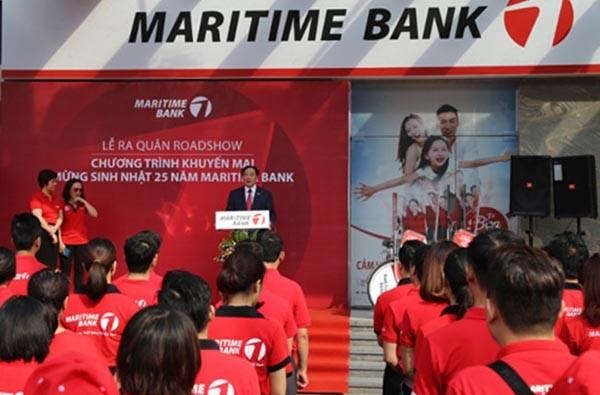 Lãnh đạo Maritime Bank phát biểu trong một sự kiện của ngân hàng gần đây