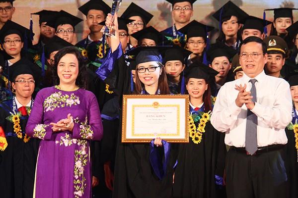 Thành phố Hà Nội luôn trân trọng và mở rộng cửa tuyển dụng đối với các thủ khoa