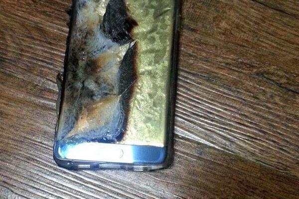 Samsung ghi nhận 35 trường hợp gặp sự cố pin