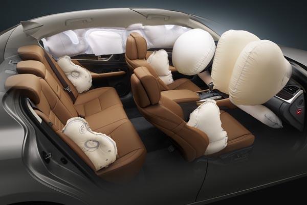 Lexus GS Turbo 2016 được trang bị 10 túi khí SRS tiêu chuẩn