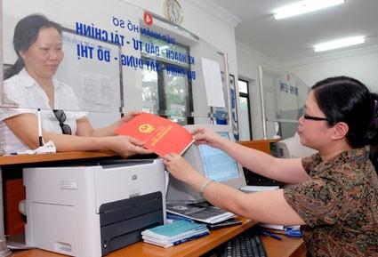 """Hà Nội: Cấp """"sổ đỏ"""" nhà tái định cư phải xong trước 31-3-2017"""