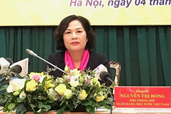 Bà Nguyễn Thị Hồng - Phó Thống đốc Ngân hàng Nhà nước điều hành buổi họp báo