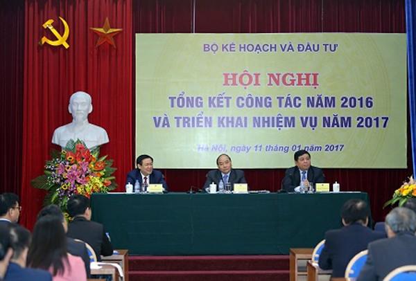 """Thủ tướng Nguyễn Xuân Phúc chỉ đạo: """"Phải đổi cách làm, đổi mới tư duy; nếu tiếp tục tinh thần bao cấp, quan liêu là chết"""""""