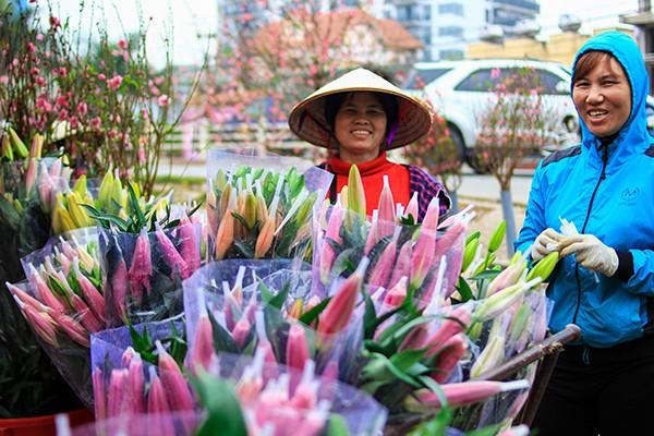 Những sắc hoa Tết ngập tràn phố phường Hà Nội ảnh 8