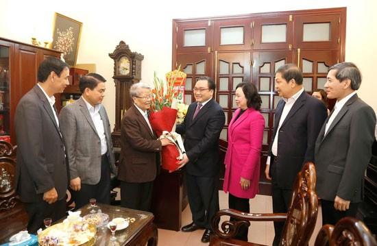 Lãnh đạo thành phố Hà Nội chúc Tết các đồng chí nguyên lãnh đạo Đảng, Nhà nước ảnh 3