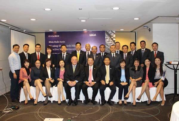 Các thành viên của Chubb Life Việt Nam tham gia khóa huấn luyện kỹ năng điều hành hiệu quả
