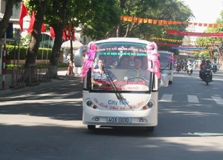 Xe điện du lịch đã được thí điểm gần 8 năm ở Hà Nội