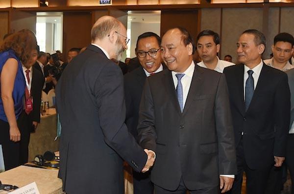 Thủ tướng Nguyễn Xuân Phúc dự Diễn đàn đầu tư Đà Nẵng 2017 (Ảnh: Chinhphu.vn)