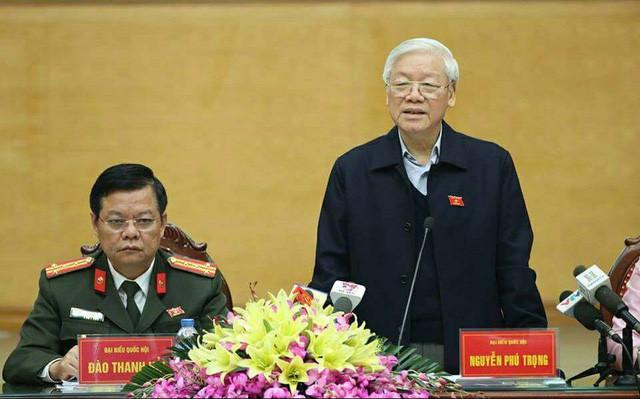 Tổng Bí thư Nguyễn Phú Trọng phát biểu tại buổi tiếp xúc cử tri quận Tây Hồ