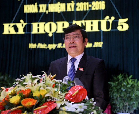 Ông Phùng Quang Hùng bị kỷ luật cảnh cáo