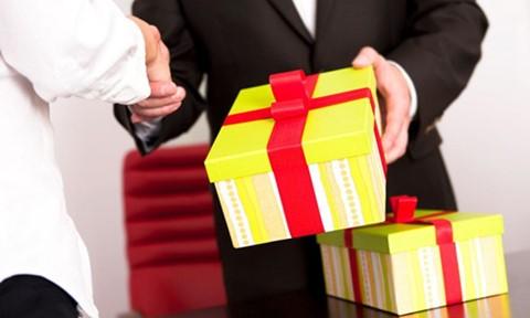 Cán bộ, công chức Hà Nội không được biếu, tặng quà Tết cho lãnh đạo cấp trên