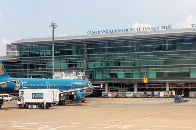 Khách nước ngoài lên nhầm máy bay, nhân viên hàng không bị phạt 4 triệu