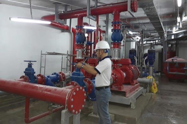 Hệ thống máy bơm áp lực cỡ lớn phục vụ phòng cháy chữa cháy ở công trình 302 Cầu Giấy