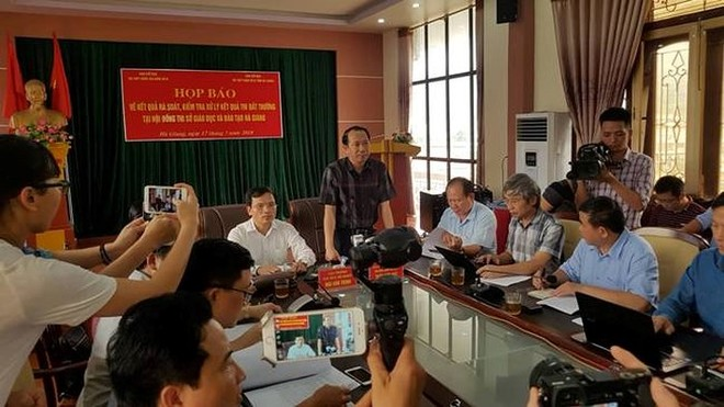 Họp báo công bố kết quả rà soát điểm cao bất thường ở Hà Giang