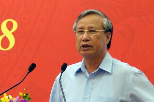 Thường trực Ban Bí thư Trần Quốc Vượng ký ban hành Kết luận của Bộ Chính trị về thực hiện một số mô hình thí điểm theo Nghị quyết số 18 - NQ/TW của Ban Chấp hành Trung ương khóa XII