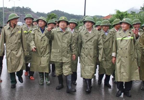 Phó Thủ tướng Trịnh Đình Dũng cùng đoàn công tác kiểm tra công tác vận hành công trình thủy lợi, thủy điện Cửa Đạt