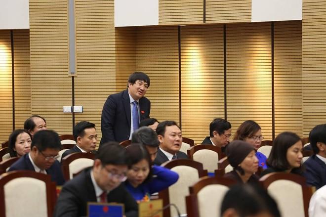 Đại biểu HĐND TP Phạm Đình Đoàn nêu câu hỏi chất vấn