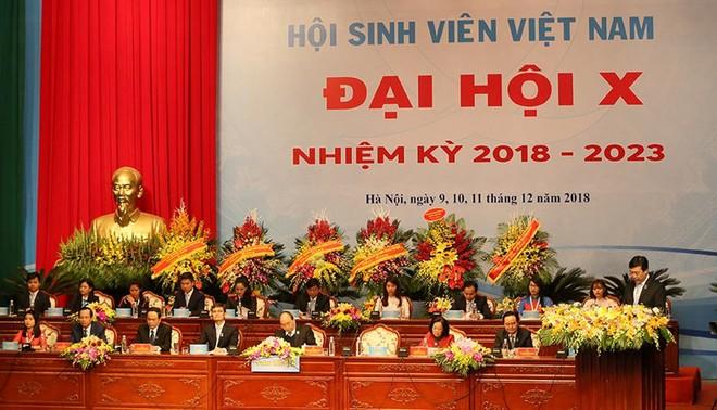 Thủ tướng Chính phủ Nguyễn Xuân Phúc dự phiên trọng thể Đại hội Sinh viên Việt Nam lần thứ X